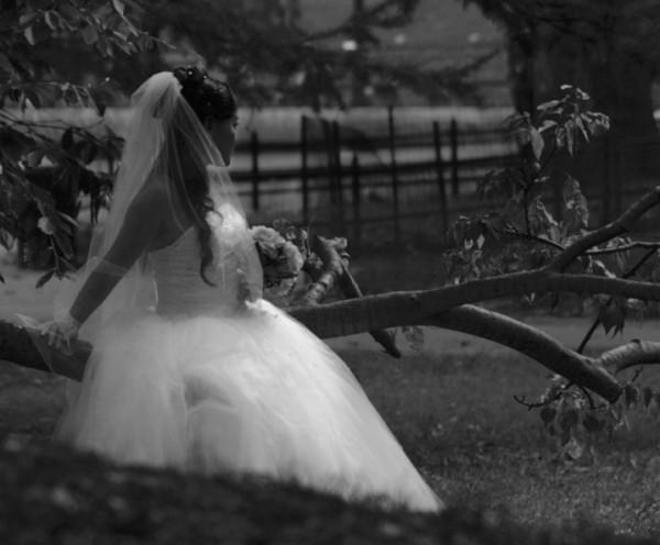 انتحار عروس أردنية قبل ساعات من زفافها بطريقة مُروعة