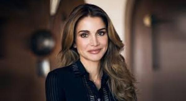 شاهدي الحقيبة المفضلة لدى الملكة رانيا