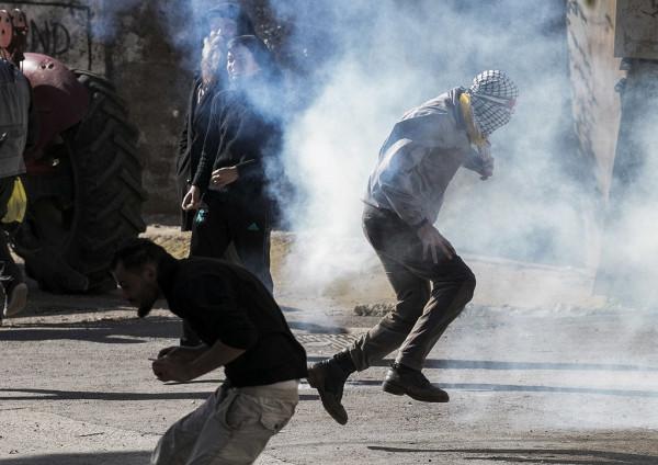 الاحتلال يقمع مسيرة مناهضة للاستيطان شمال نابلس