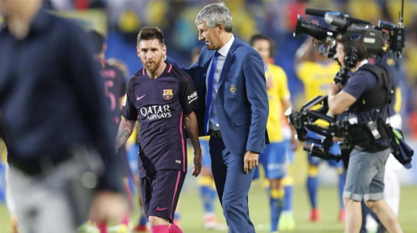 مدرب برشلونة: لن أتكهن بمستقبل ميسي لأنها ليست مهمتي