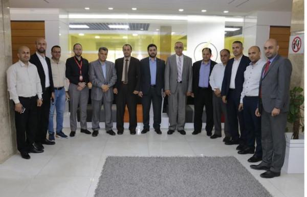 كهرباء غزة توقع اتفاقية تعاون مع الكلية الجامعية للاستفادة من الحاضنة التكنولوجية يوكاس