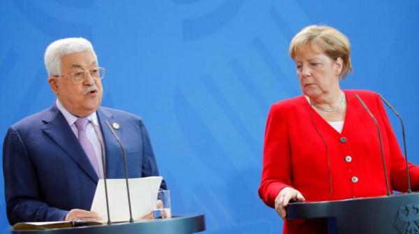 تفاصيل اتصال هاتفي بين الرئيس عباس والمستشارة الألمانية إنجيلا ميركل