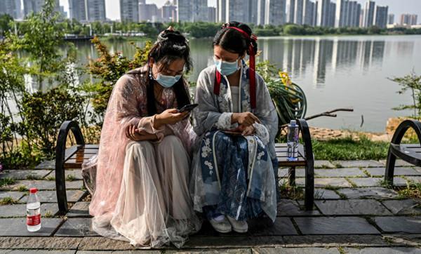 بكين: لا إصابات مؤكدة منقولة محلياً بـ (كورونا)