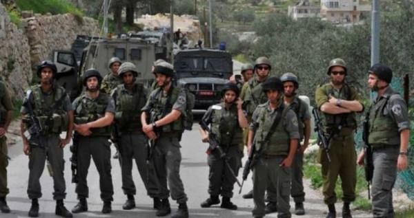 قوات الاحتلال تطارد عدداً من مركبات المواطنين جنوب الخليل