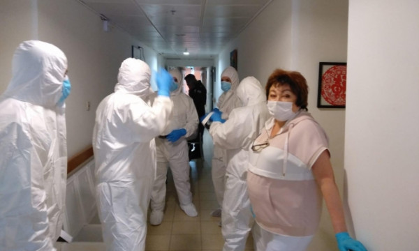 إسرائيل تسجل معدل إصابات ووفيات يومية عالٍ جداً بفيروس (كورونا)