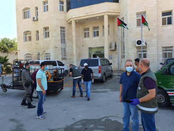 جهاز الأمن الوقائي في سلفيت ينفذ حملة رش وتعقيم