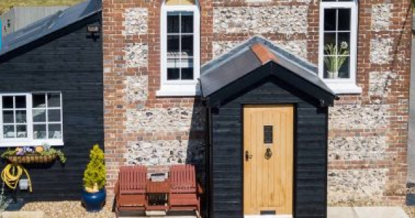 سيدة تحول كنيسة من القرن التاسع عشر إلى منزل الأحلام