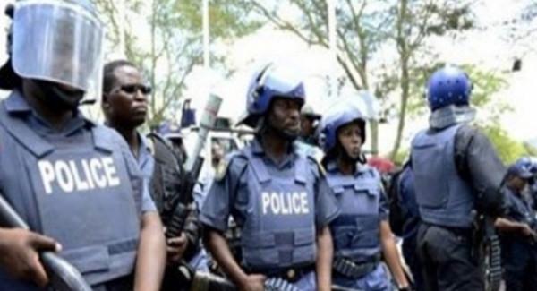 جنوب إفريقيا.. مقتل 5 أشخاص واحتجاز رهائن في نزاع بكنيسة