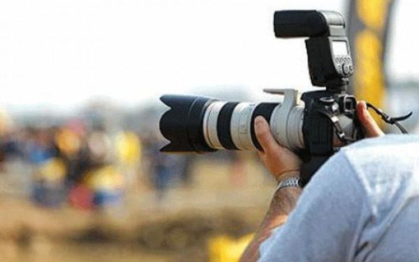 الشرطة بغزة: أوقفنا مصوراً شجّع أحد المواطنين على إيذاء نفسه