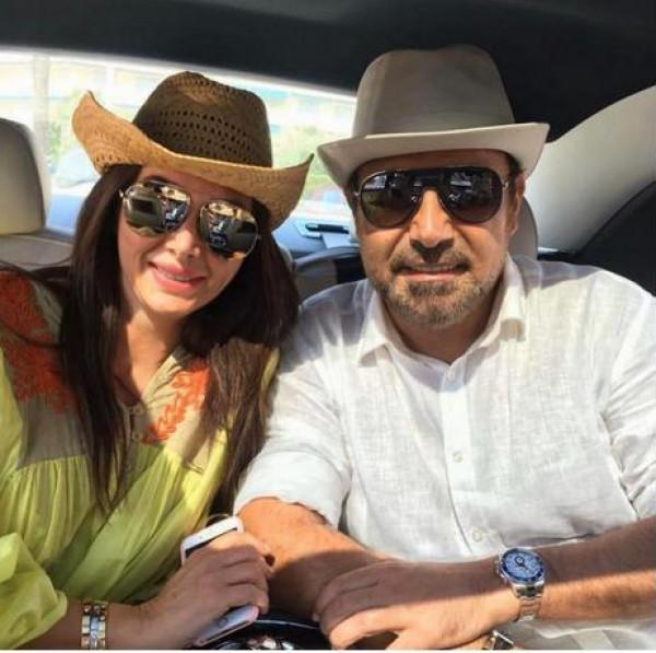 زوجة عاصي الحلاني يوم تتويجها ملكة جمال منذ 31 عاماً.. من تشبه من ابنتيها؟