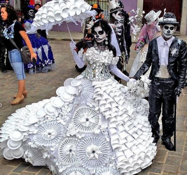 أسوأ وأغرب فساتين الزفاف فى العالم.. من عروض الأزياء لحفلات زواج حقيقية