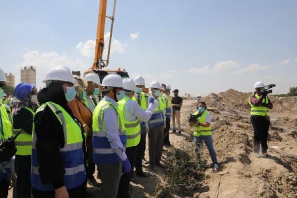 وزير العمل يتفقَّـد مشروع دار السلام السكني ويوجِّه بتشكيل لجنة لمتابعة الإنجاز