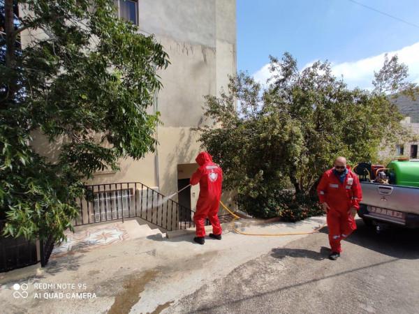 """""""الدفاع المدني"""" بنابلس يعقم مخيمين وبلدات وقرى ضمن أولوية تسجيل أكثر الإصابات بالفيروس"""