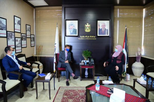 غنام تطلع ممثل الاتحاد الأوروبي على معاناة شعبنا تحت الاحتلال