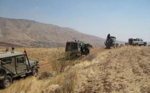 الاحتلال يُجري عمليات مسح لأراضٍ في منطقة الحمة بالأغوار