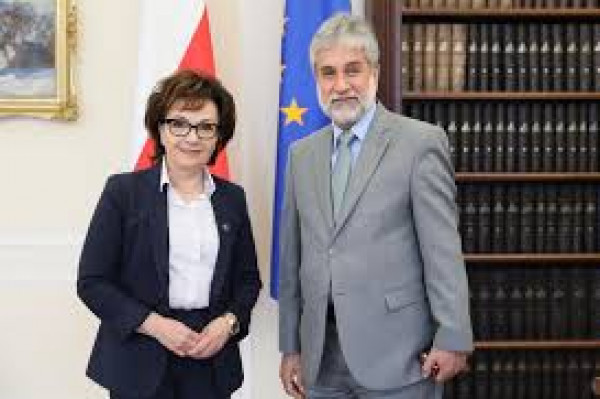 رئيس مجلس النواب البولندي: إيجاد معادلة دولية لدعم حل الدولتين مهم لإنهاء الصراع
