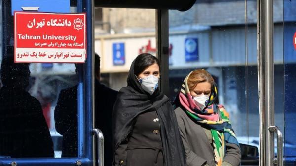 مع زيادة الإصابات بفيروس (كورونا).. إيران تعاني نقصاً بالأطقم الطبية والأسرّة