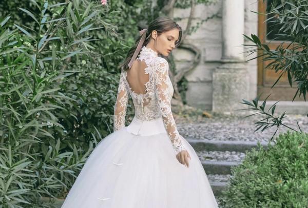 موديلات فساتين زفاف من الخلف لعروس2020