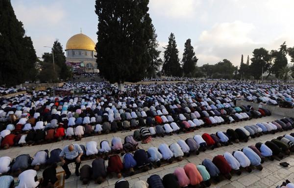 عمر الكسواني يدعو لإعمار المسجد الأقصى بالمصلين غداً الخميس