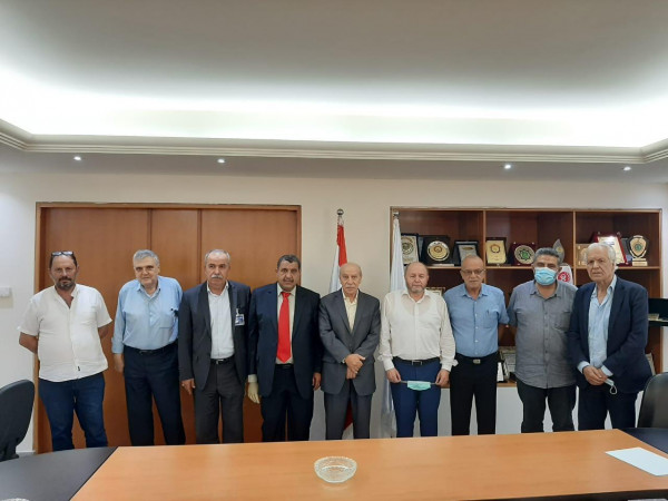 الجبهة الديمقراطية تعرض مع الاتحاد العمالي العام أوضاع العمال واللاجئين الفلسطينيين
