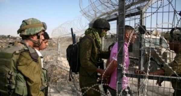 جيش الاحتلال: أعدنا غزي تسلل عبر الحدود بعد التحقيق معه