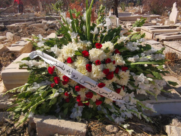 النضال الشعبي تزور مقبرة الشهداء بمخيم اليرموك