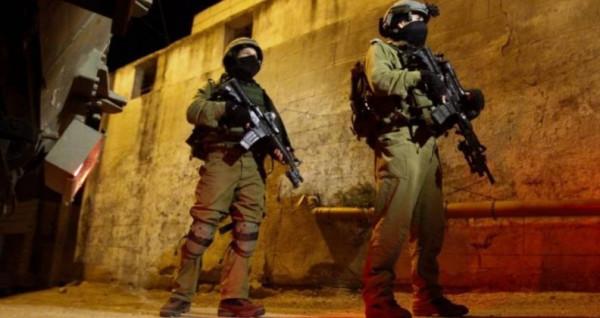 الاحتلال يَشن حملة مداهمات واعتقالات في الضفة