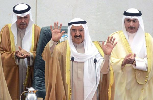الحكومة الكويتية: صحة أمير البلاد شهدت تحسناً ملحوظاً