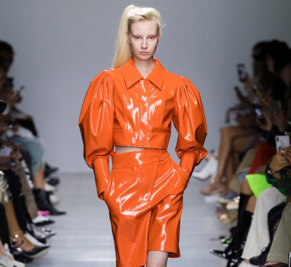 تعرفي على آخر صيحات اللون البرتقالي لموسم الصيف