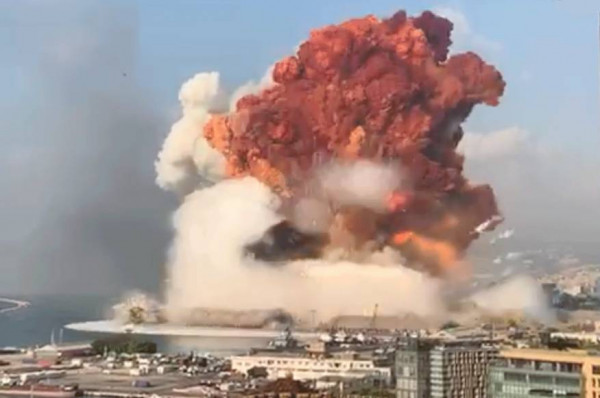 """ترامب: خبراء أبلغوني أن انفجار بيروت ناجم عن قنبلة """"من نوع ما"""""""