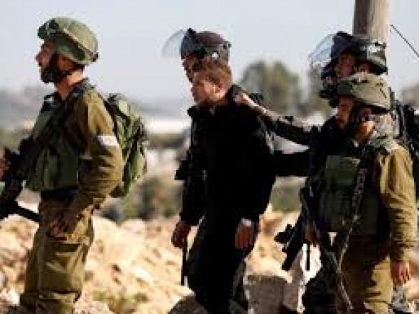 الاحتلال يستدعي المرابطتين الحلواني وخويص لتمديد منعهما من السفر