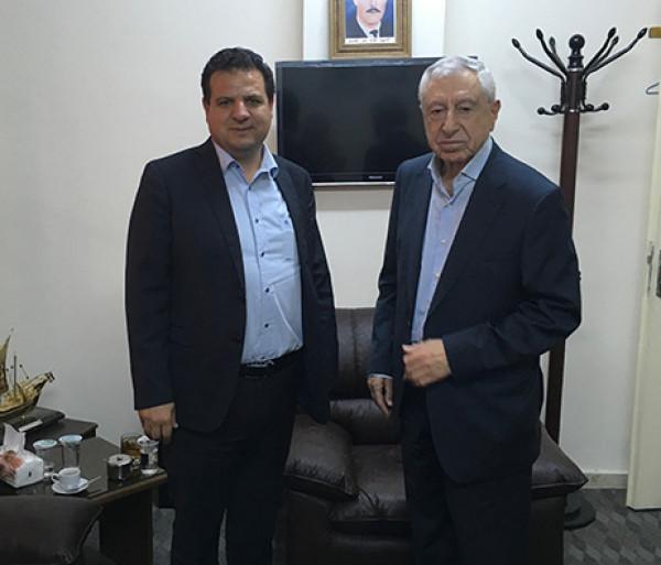 حواتمة يعزي الرؤساء الثلاثة ويعلن تضامن شعب فلسطين مع لبنان الشقيق