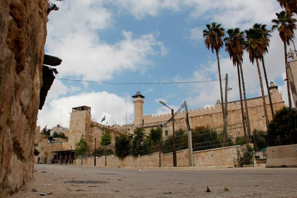 بلدية الخليل تستهجن نقل صلاحية إدارة الحرم الإبراهيمي لمجلس التنظيم الأعلى الإسرائيلي