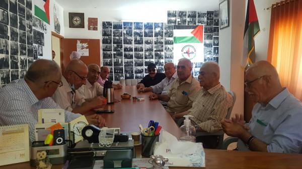 النضال الشعبي تلتقي وفداً بارزاً من المعلمين المتقاعدين من نابلس وطولكرم
