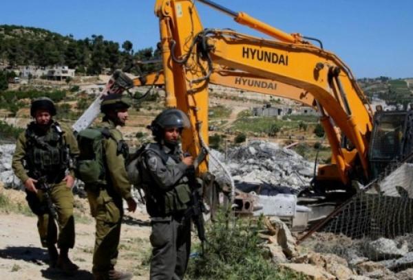 الاحتلال يخطر بوقف البناء في منزلين ببيت لحم