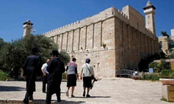 اللجنة الوطنية تدعو (إيسيسكو) و(ألكسو) لاتخاذ إجراءات لوقف اعتداءات الاحتلال على الحرم الإبراهيمي