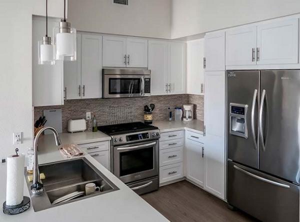 خطوات بسيطة نفذيها أثناء تنظيف المطبخ