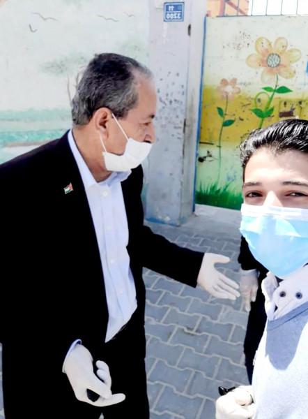 بدوان يدعو الى الحد من الاكتظاظ فى صفوف مدراس وكالة الغوث بغزة