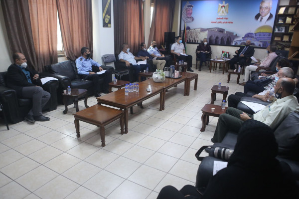 محافظ طوباس والأغوار الشمالية يترأس اجتماع لجنة الرقابة والتفتيش بالمحافظة