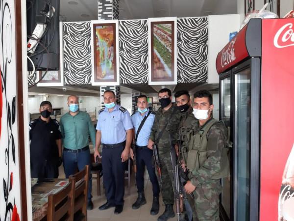 محافظة الخليل: إغلاق منشأة غير ملتزمة ومخالفة ثلاث أخرى