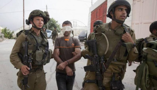 قوات الاحتلال تعتقل خمسة شبان من الضفة