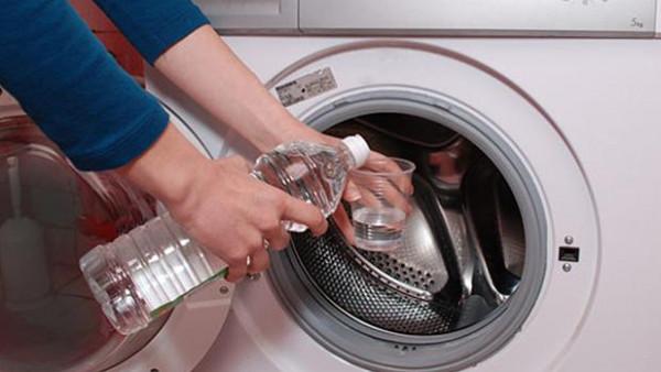 لا تستخدمي الخل لتنظيف الغسّالة