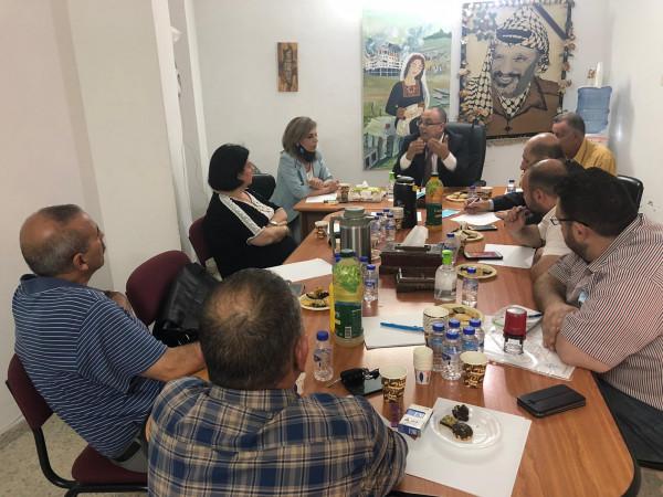 الوزير أبو سيف يلتقي عدداً من المراكز والمؤسسات الثقافية في نابلس