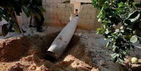 إعلام إسرائيلي: سقوط صاروخ في (أشكول) أطلقته مروحية إسرائيلية أثناء قصف القطاع أمس