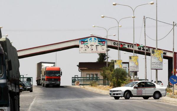 الأردن يُعلن إغلاق معبره مع سوريا لمدة أسبوع بسبب (كورونا)