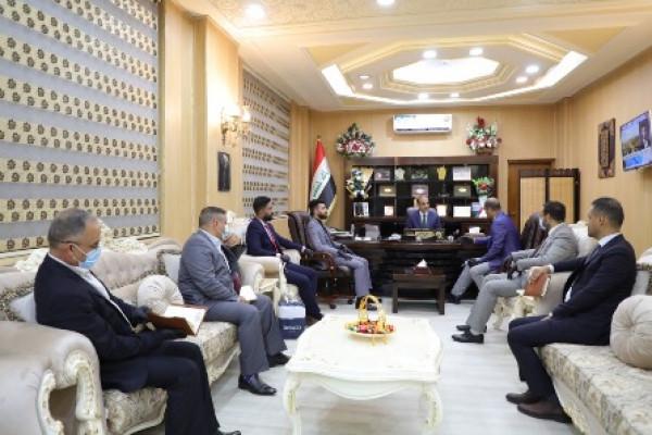 وزير العمل يلتقي رئيس تجمُّع شباب الدولة  وأعضاءه