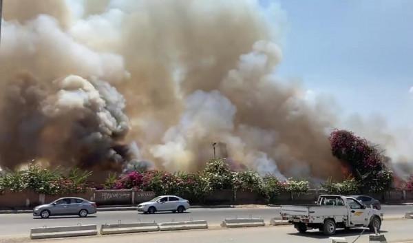 شاهد: حريق هائل في ميدان الرماية بمدينة الجيزة المصرية