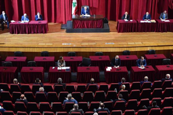 البرلمان اللبناني يُقر إعلان حالة الطوارئ في بيروت