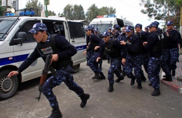 الشرطة تعتقل لصوص لوحات سيارات ومطلوب هارب منذ خمس أعوام برام الله