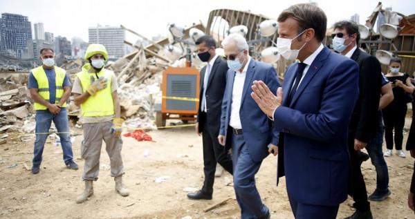 (ماكرون) يحث على تشكيل حكومة تكنوقراط لإنقاذ لبنان